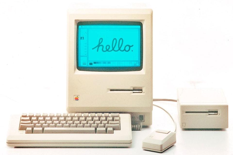 Imagem de 6 vídeos em que a Apple tentou ensinar o mundo a usar seus novos gadgets no tecmundo