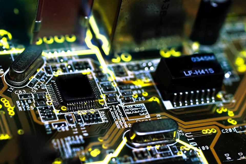 Imagem de Como desabilitar a opção de boot seguro UEFI na BIOS do seu computador no tecmundo