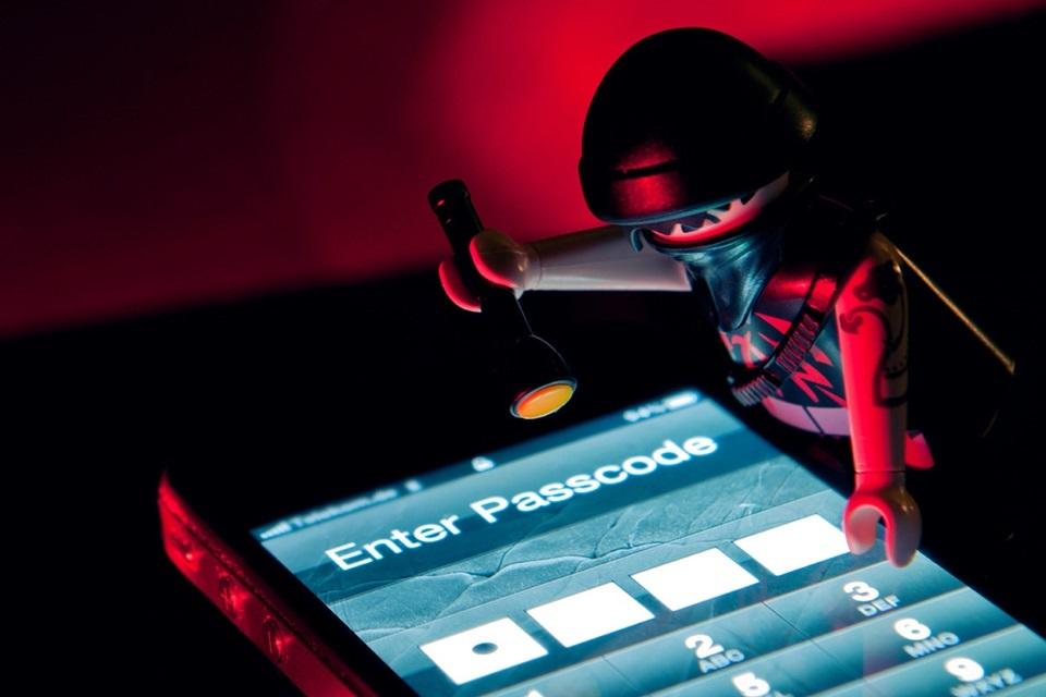Imagem de IMEI: aprenda a bloquear o aparelho celular em caso de roubo no site TecMundo