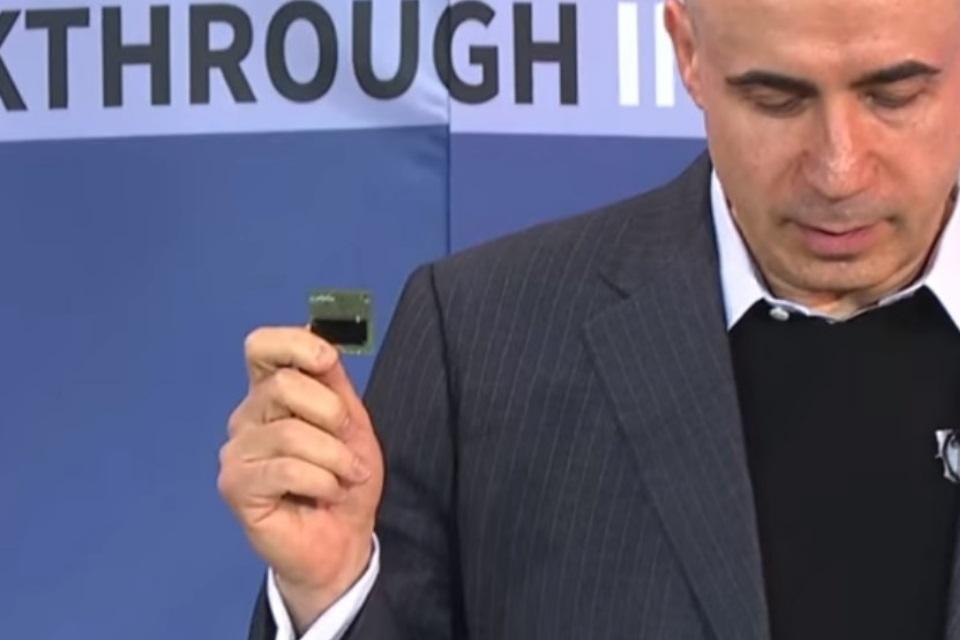 Imagem de Só isso? Bilionário russo imagina espaçonaves do tamanho de cartões SD no tecmundo