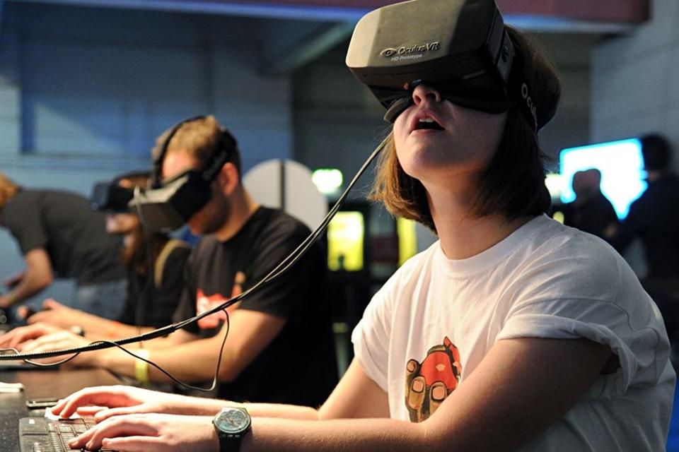 Imagem de Na onda do VR, Adobe prevê vendas bilionárias de consoles e PCs em 2016 no tecmundo