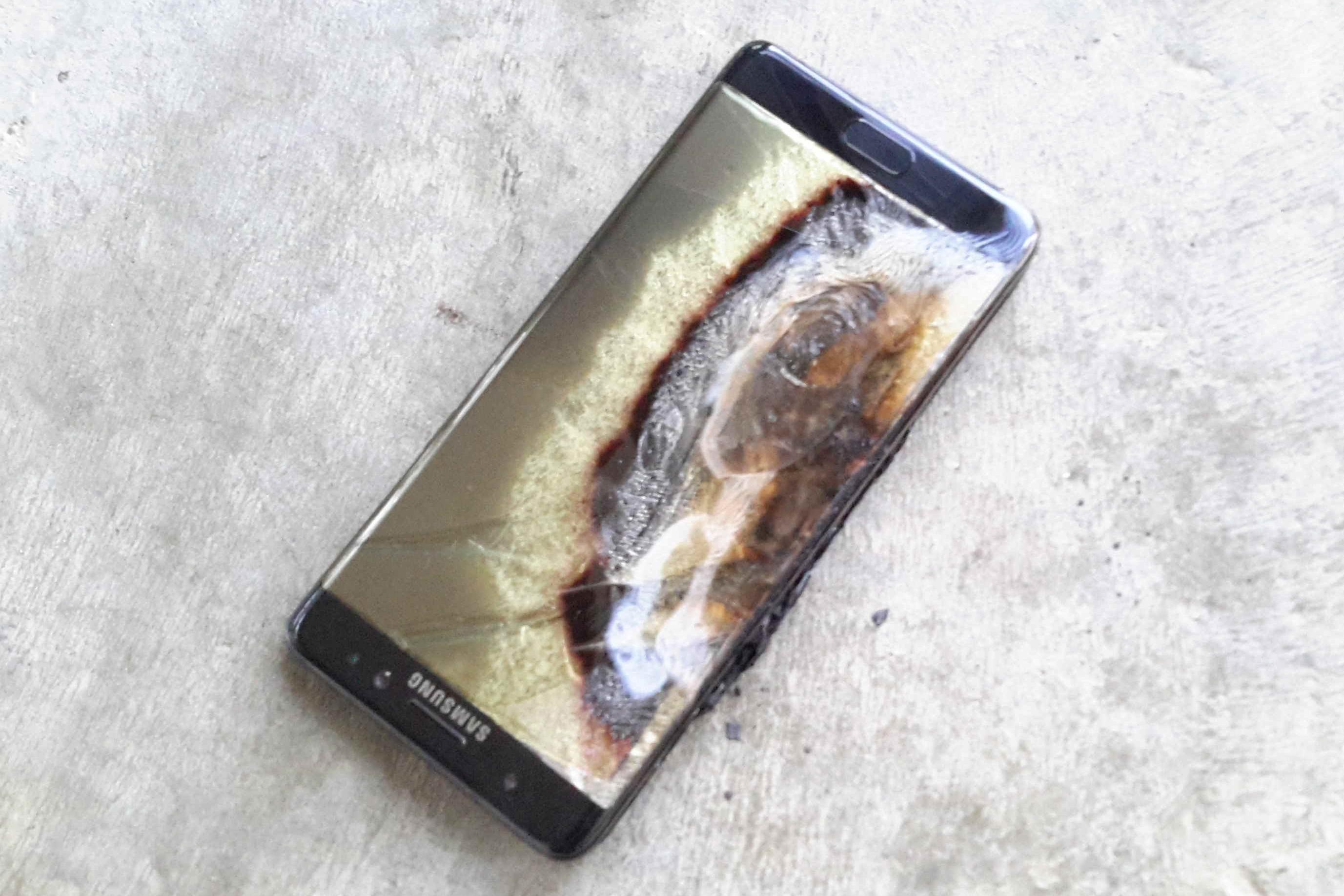 Imagem de Samsung joga toalha: desliguem agora e parem de usar o Galaxy Note 7 no tecmundo