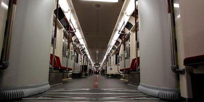 Imagem de Metrô de Toronto, no Canadá, tem até barras antimicróbios [vídeo] no site TecMundo