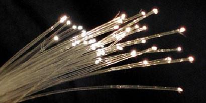 Imagem de Cientistas estão desenvolvendo fibra óptica 2 mil vezes mais veloz no site TecMundo
