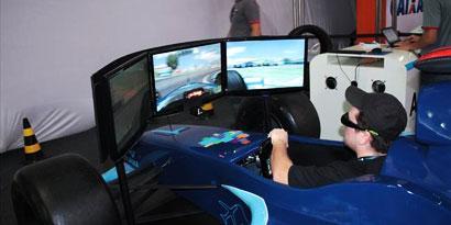 Imagem de Conheça o simulador de corridas 4D 100% brasileiro no site TecMundo
