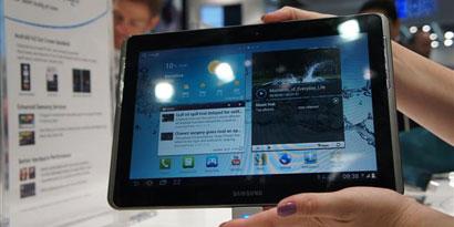 Imagem de Galaxy Tab 2 de 10 polegadas está na MWC 2012 no site TecMundo