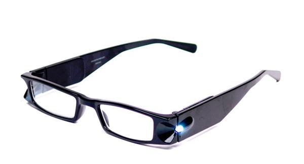 d2d942aaf Luzes de LED são acopladas nos óculos (Fonte da imagem: Reprodução/Foster  Grant)