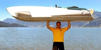Imagem de Conheça o barco portátil que pode ser carregado por uma pessoa no site TecMundo
