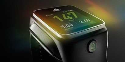 Imagem de Adidas apresenta relógio inteligente para corredores por US$ 400 no site TecMundo