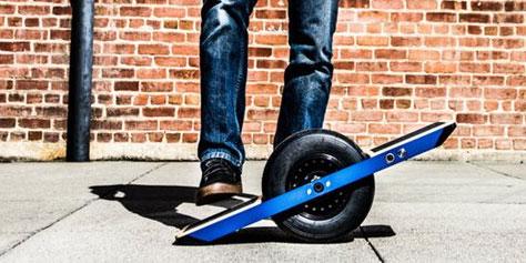 Imagem de Skate elétrico de somente uma roda tem sensor de movimento e custa R$ 3 mil no site TecMundo