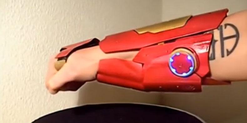 Imagem de Engenheiro cria protótipos de gadgets usados por super-heróis [vídeos] no site TecMundo