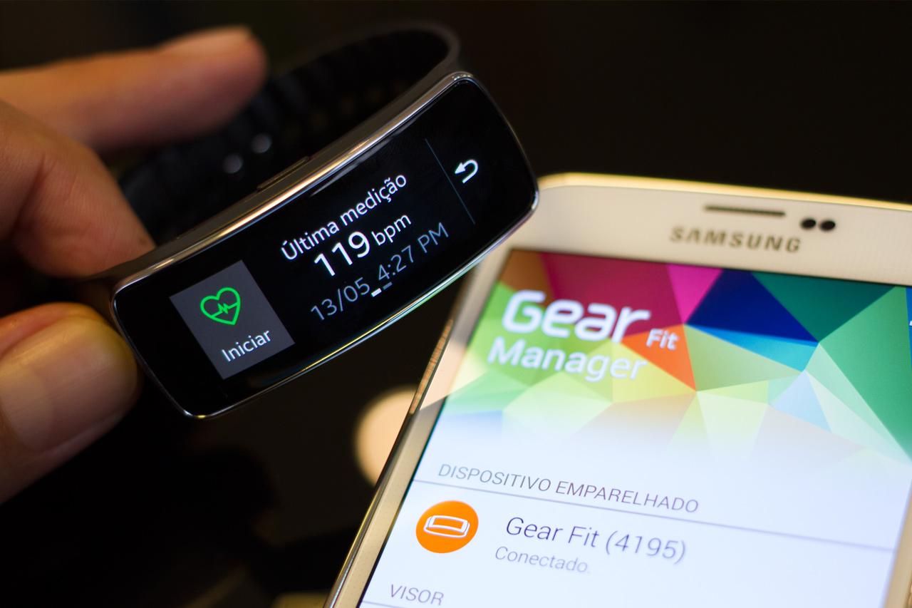 Review: smartwatch Samsung Gear Fit [vídeo] - TecMundo