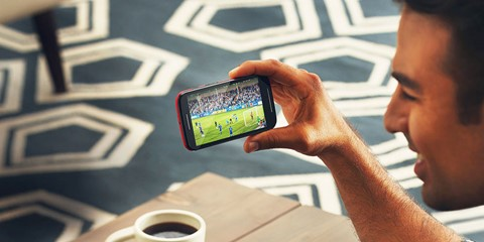 Imagem de 9 smartphones com TV Digital para você assistir a Copa do Mundo no site TecMundo