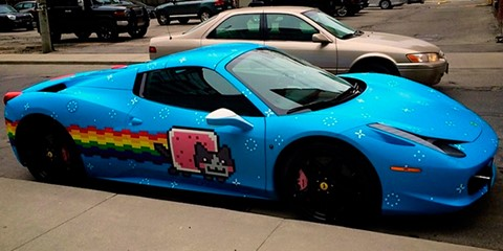 Imagem de Tem gosto pra tudo: DJ usa tema de Nyan Cat para decorar Ferrari caríssima no site TecMundo