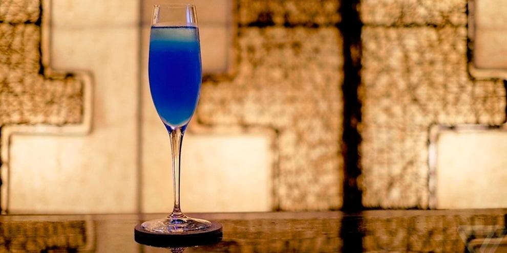 """Imagem de Hackers Bar em Tóquio oferece drink chamado """"Tela azul da morte"""" no site TecMundo"""