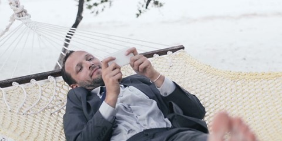 Imagem de Brasileiros não conseguem largar smartphones e tablets nem nas férias no site TecMundo