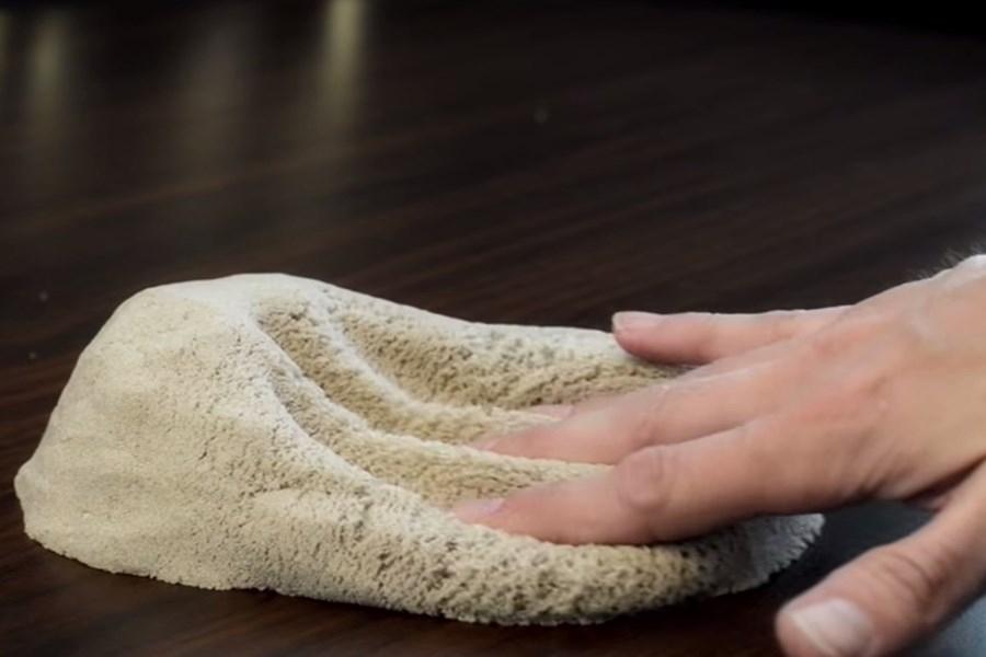 """Imagem de Chega de sujeira: conheça a areia mágica que """"respira movimento"""" [vídeo] no site TecMundo"""