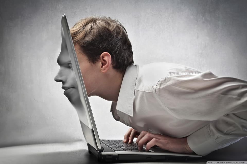 Imagem de Discussão: por que a realidade virtual ainda não deslanchou?  no site TecMundo