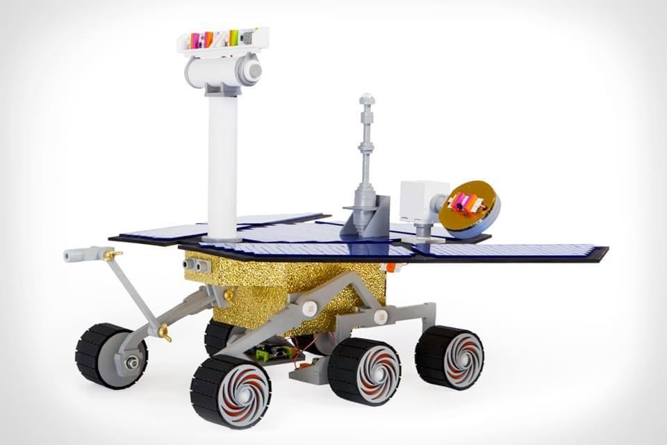Imagem de NASA mostra kit que introduz crianças no mundo da tecnologia no site TecMundo