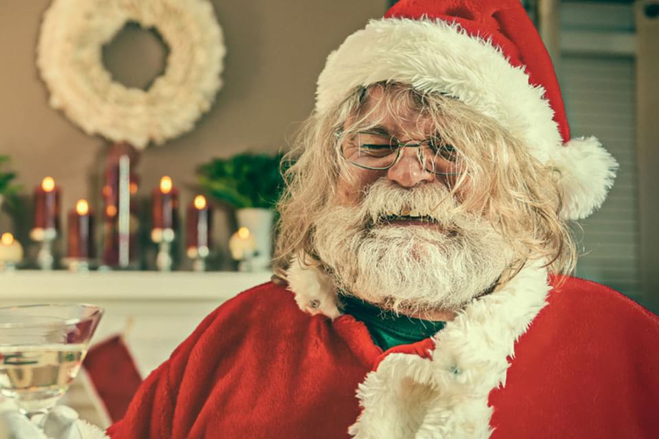 Imagem de Confira 12 dicas para evitar golpes durante as festas de fim de ano no site TecMundo
