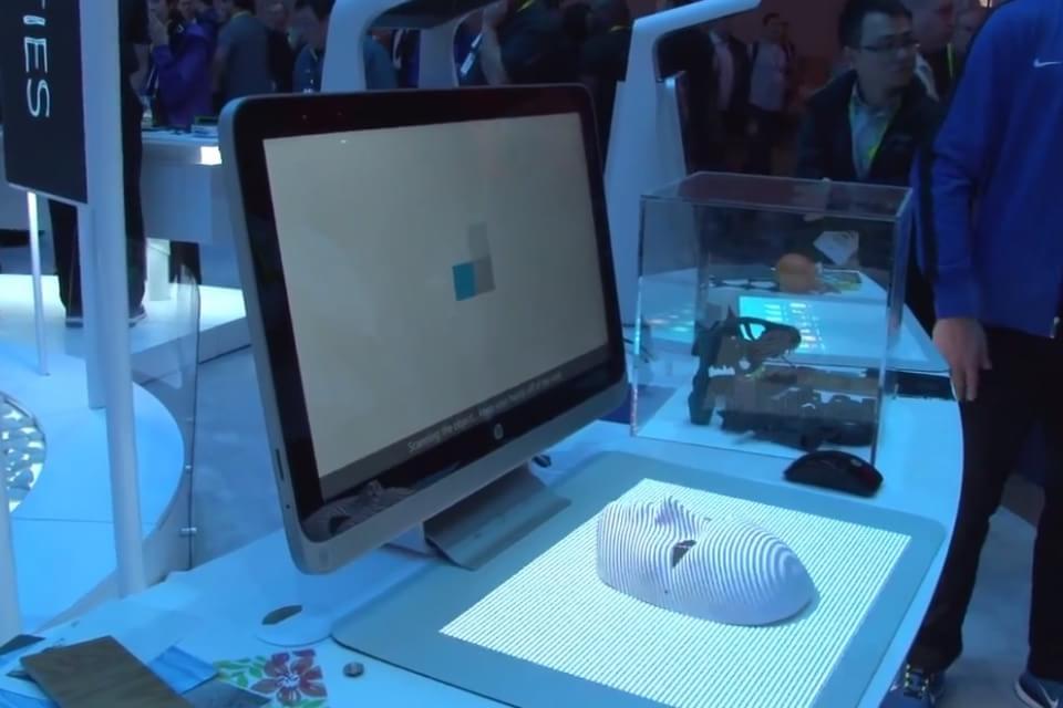 Imagem de HP Sprout é uma incrível mesa digitalizadora com scanner 3D [vídeo] no site TecMundo