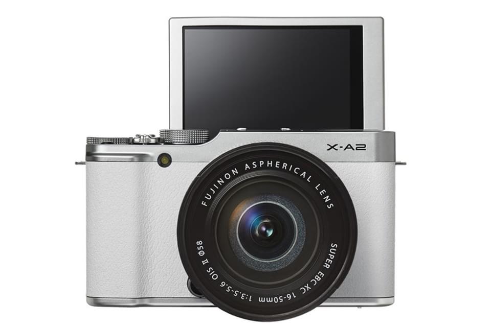 Imagem de Fujifilm: com visor móvel, X-A2 é a nova câmera dedicada a fãs de selfies no site TecMundo