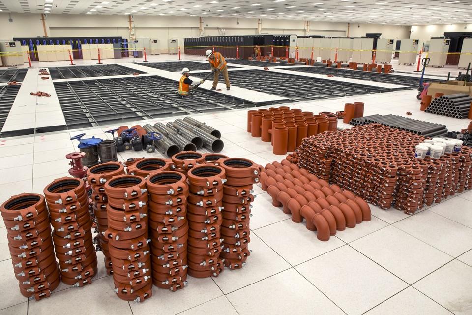 Imagem de Foto mostra sistema de arrefecimento do supercomputador Trinity no site TecMundo