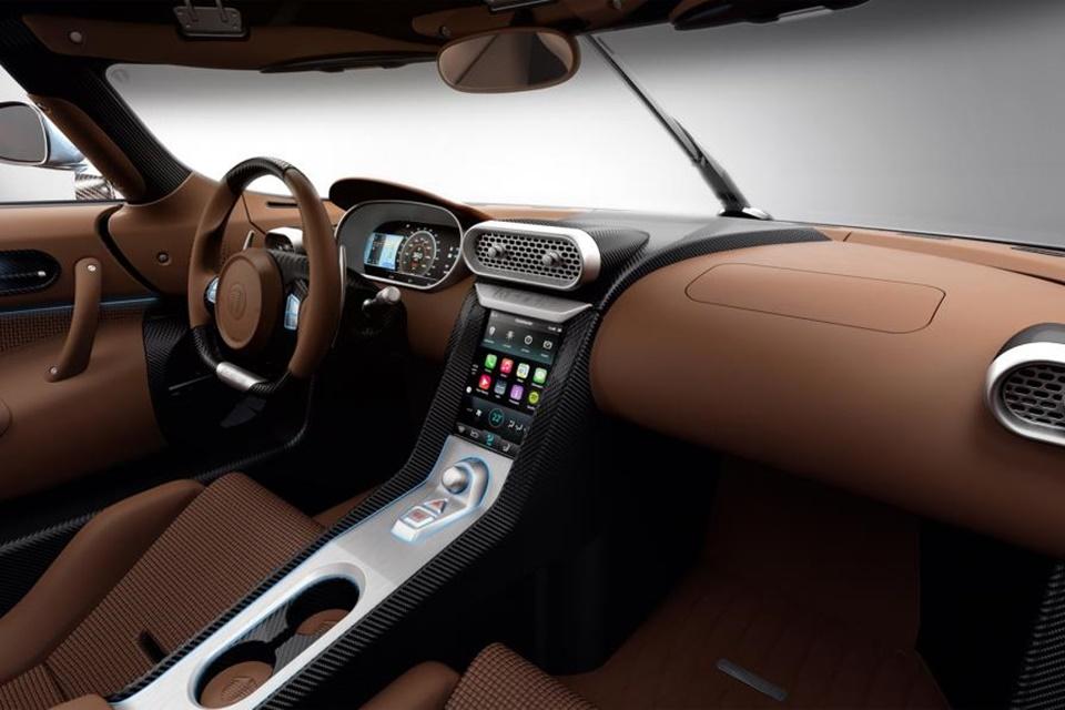 Imagem de CarPlay é a central multimídia do supercarro Koenigsegg Regera [galeria] no site TecMundo