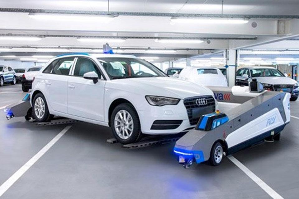 Imagem de Audi testa robôs para deslocar veículos entre setores [vídeo] no site TecMundo