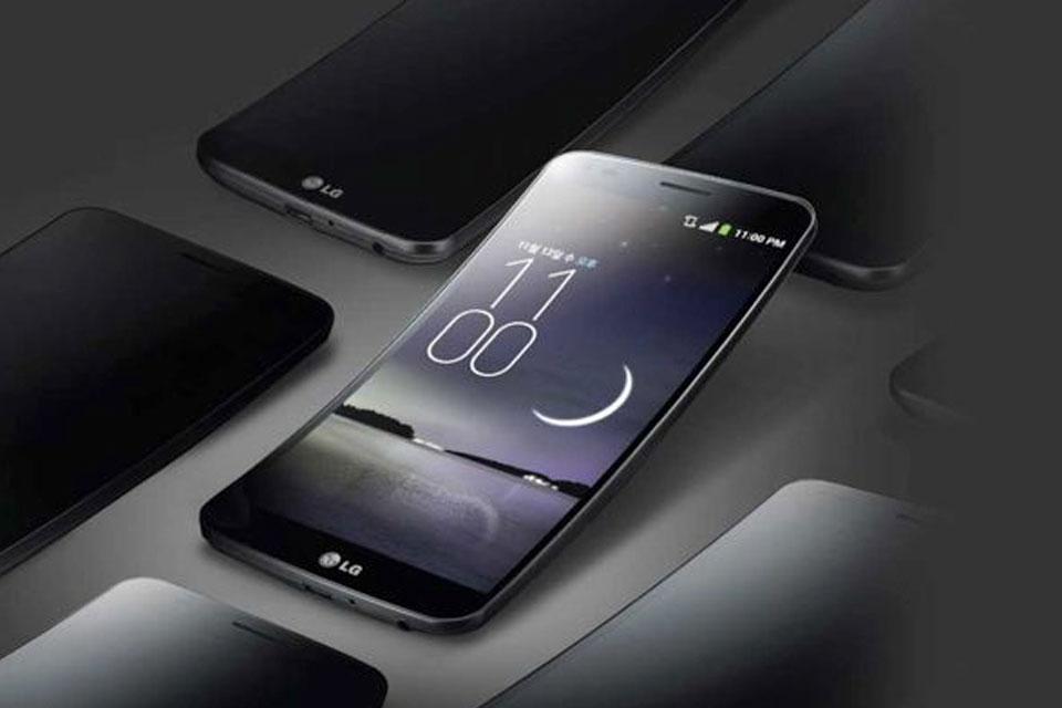 Imagem de Oficial: saiba quanto vão custar o LG G Flex 2 e o G Watch R no Brasil no site TecMundo