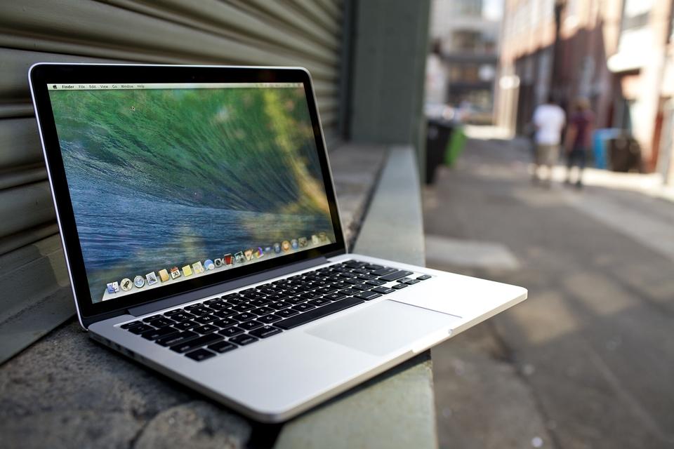 Imagem de Usuários do MacBook Pro com Retina Display reclamam da tela do aparelho no site TecMundo