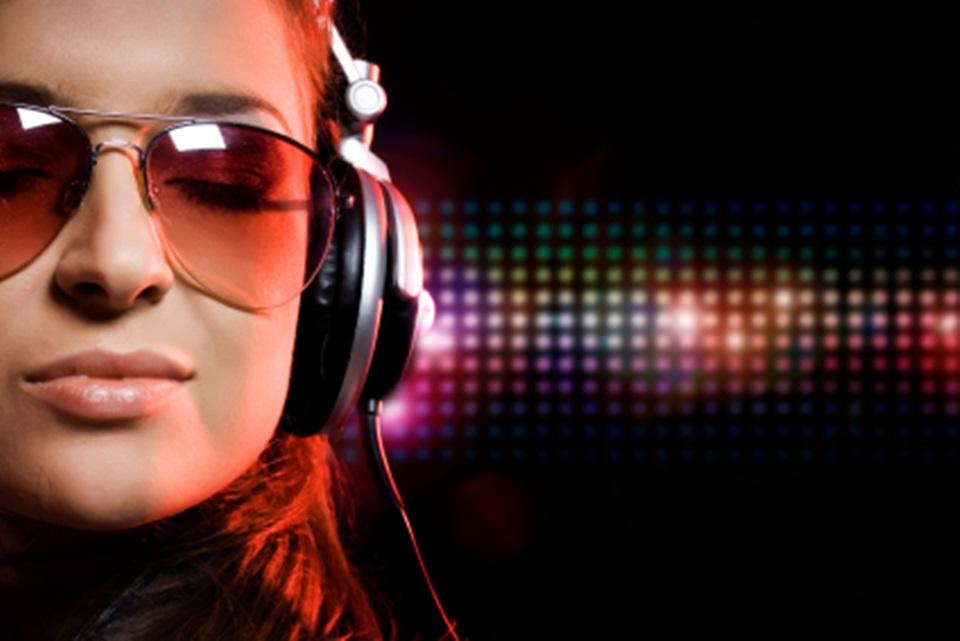 Imagem de Venda de músicas via streaming bate a de CDs pela primeira vez nos EUA no site TecMundo