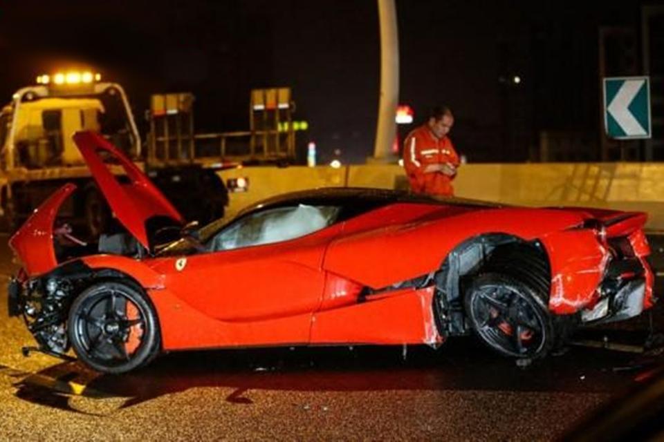 Imagem de Dono de uma equipe chinesa de League of Legends destrói Ferrari em acidente no tecmundo