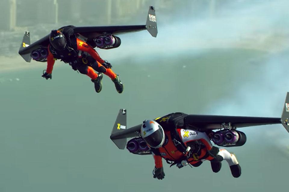 Imagem de Assista a dois malucos voando sobre Dubai com jetpacks, em 4K [vídeo] no tecmundo
