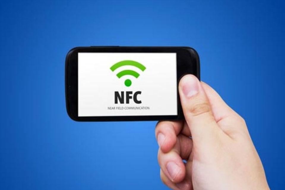 Imagem de Hacker utiliza chip NFC implantado na mão para invadir smartphones  no tecmundo