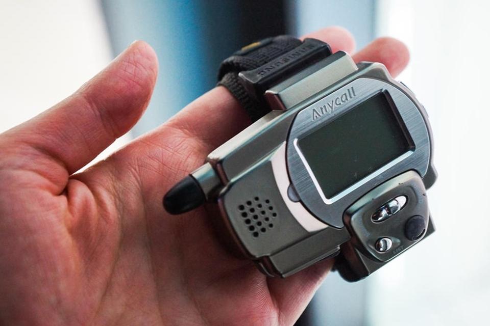 """Imagem de Nascia em 1999 o Samsung SPH-WP10, o primeiro """"relógio-celular"""" da história no tecmundo"""