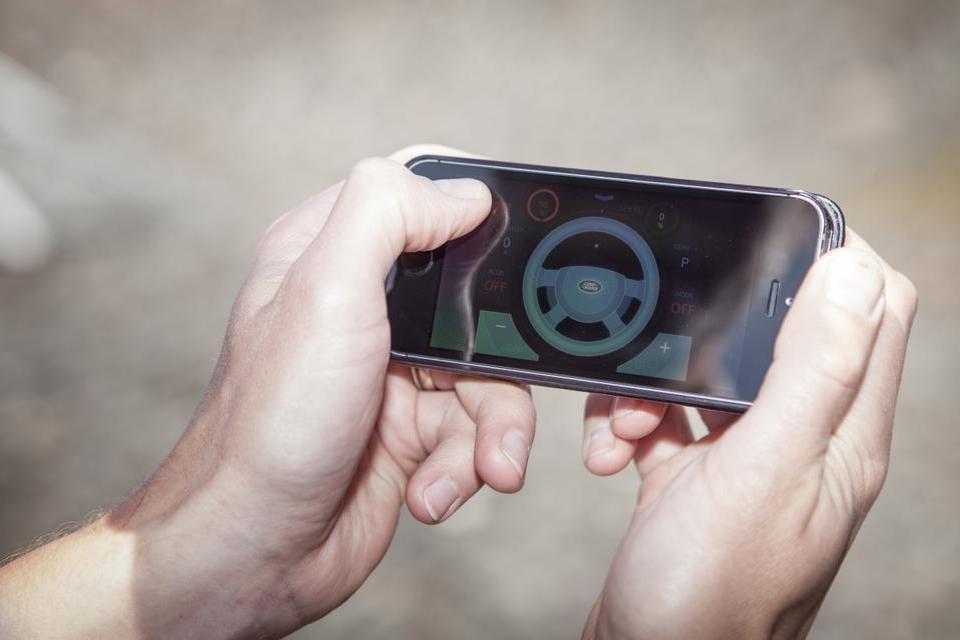 Imagem de Tecnologia da Land Rover permite o controle remoto de seu veículo [vídeo] no tecmundo