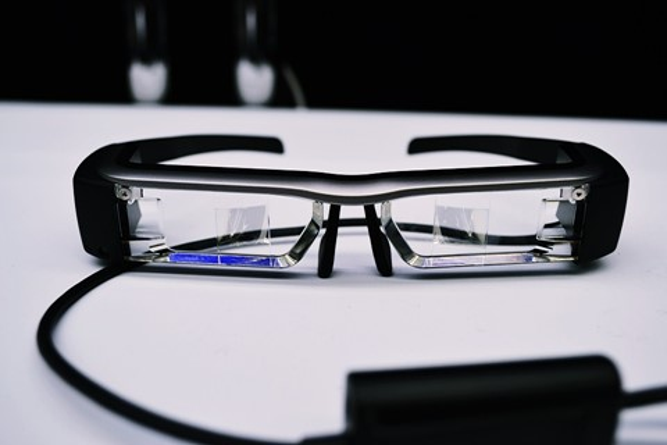 Imagem de Epson investe em óculos inteligentes, mas sua aposta é no setor corporativo no tecmundo