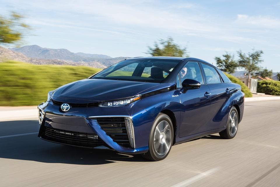 Imagem de Mirai, o carro movido a hidrogênio da Toyota, faz 29 km/L [galeria] no tecmundo
