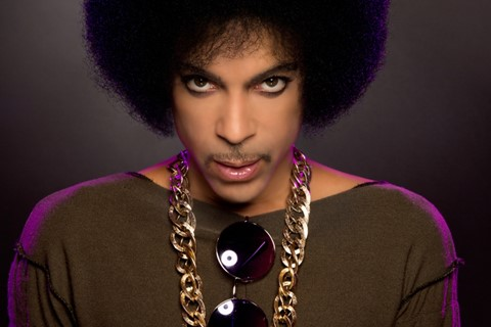Imagem de Prince retira álbuns do Apple Music e Spotify; faixas estão online no Tidal no tecmundo