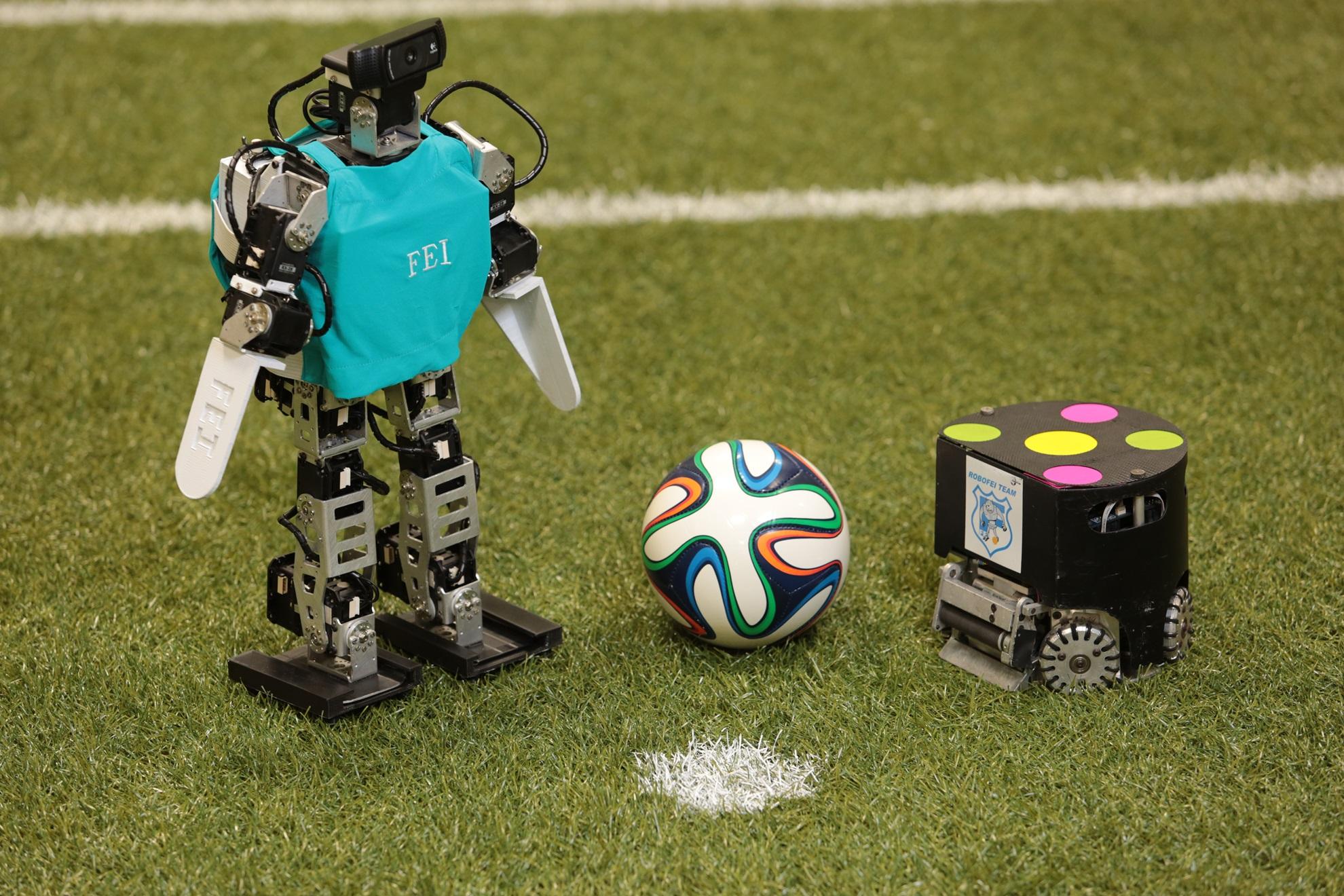 Imagem de Fight! Duas equipes de robótica brasileiras participarão na RoboCup 2015 no tecmundo