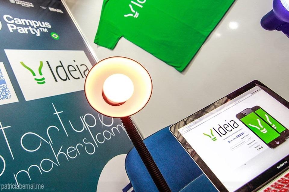 Imagem de Lâmpada inteligente feita no Brasil acende via app e tem economia de 80% no tecmundo