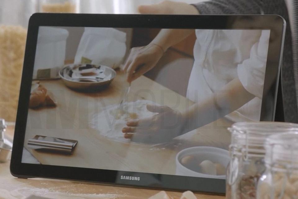 Imagem de Maior tablet do mundo: vazam muitas fotos do imponente Samsung Galaxy View no tecmundo
