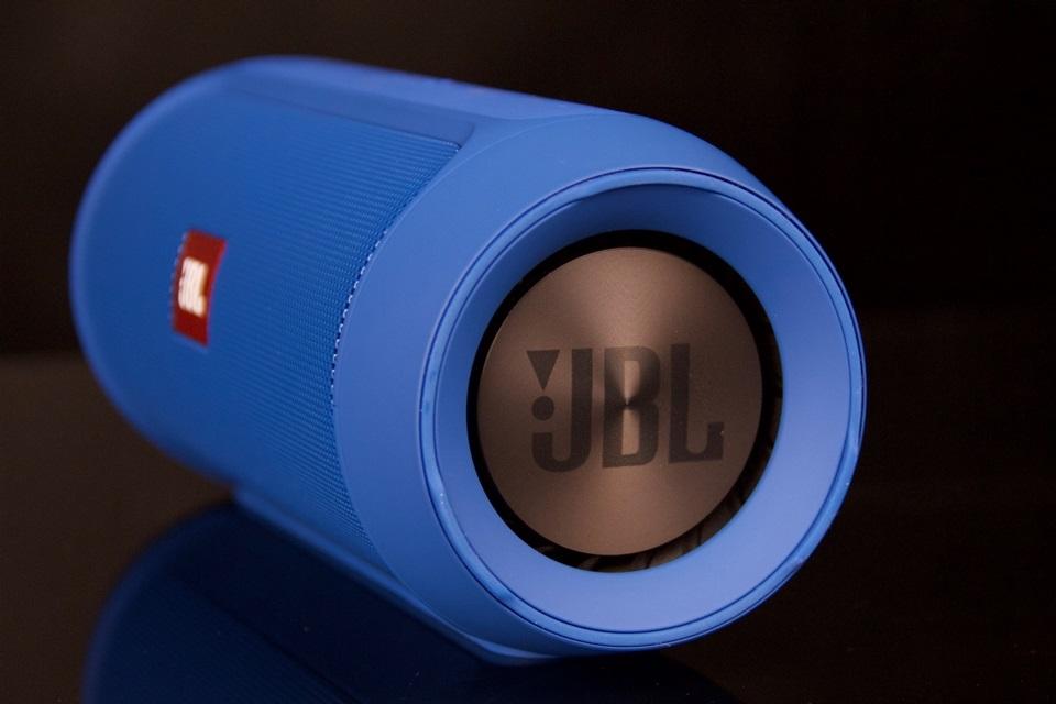 Imagem de Análise: caixa de som JBL Charge 2+ no tecmundo