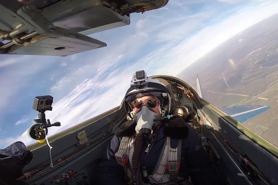 Imagem de Na Rússia, você pode alugar e pilotar um caça MiG-29 por R$ 70 mil [vídeo] no tecmundo