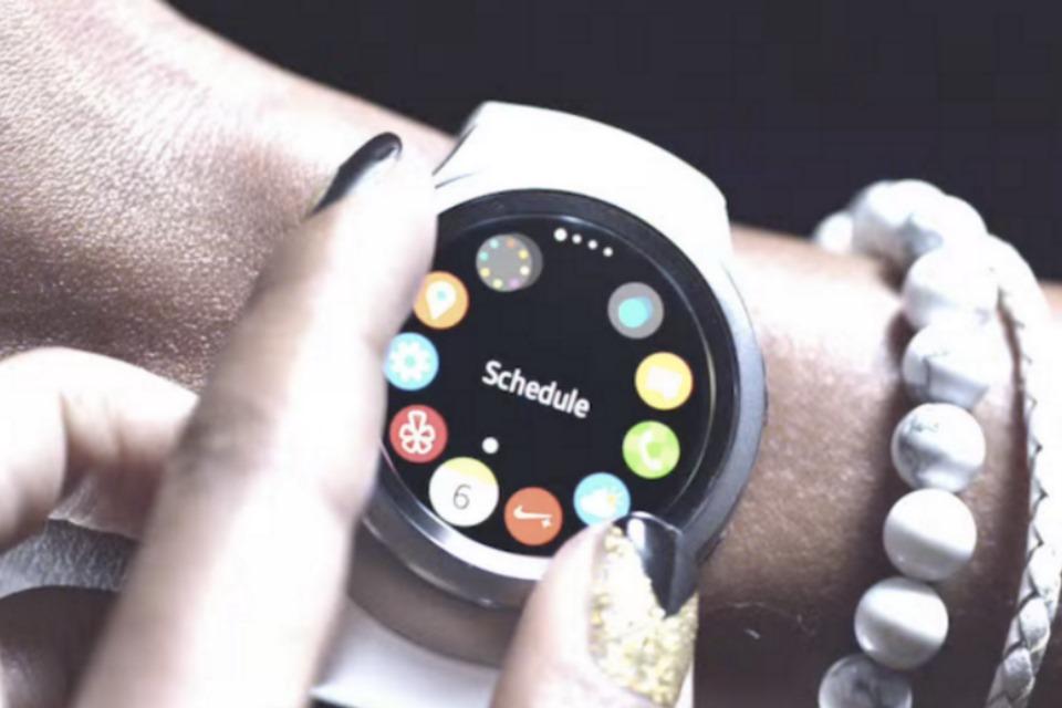 Imagem de Novo comercial do Gear S2 foca atenção na moldura giratória do wearable no tecmundo