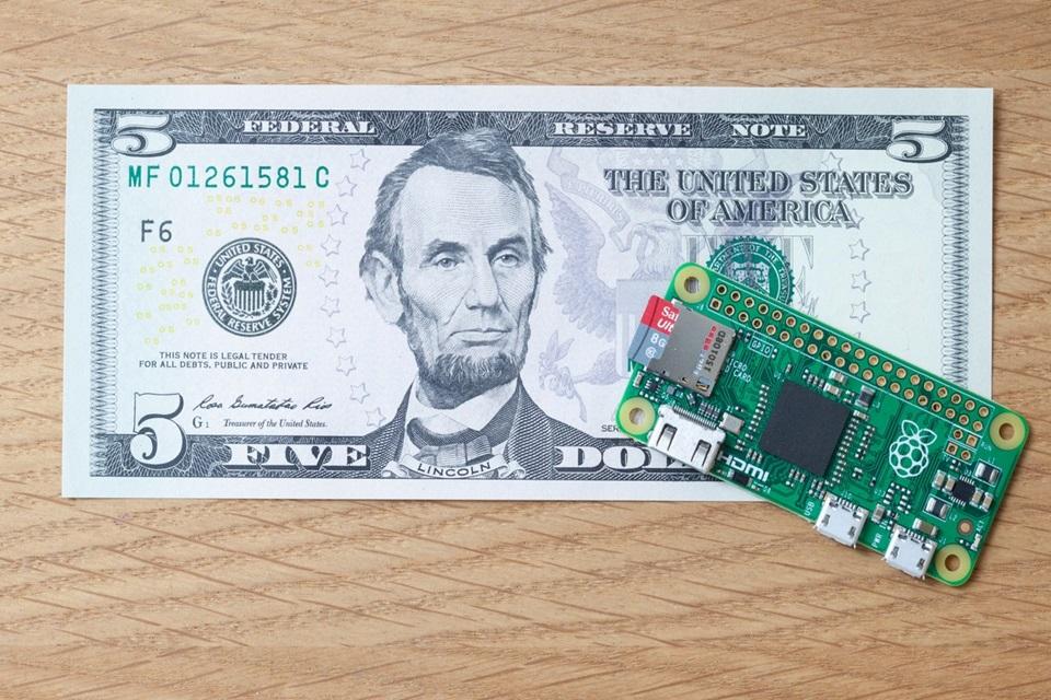 Imagem de Raspberry Pi Zero: novo modelo do PC em minitura custa menos de R$ 20 no tecmundo