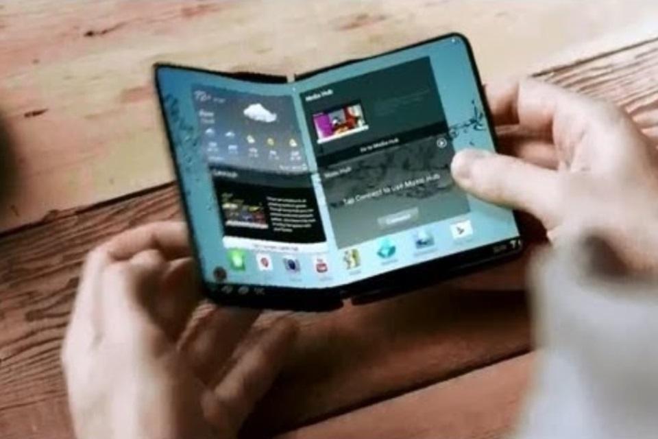Imagem de Samsung registra patente de smartphone dobrável que vira um tablet no tecmundo
