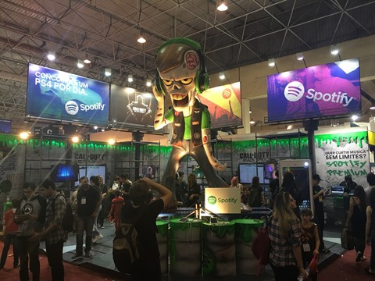 Imagem de Em crescimento absurdo no país, Spotify dá um PS4 por dia na Comic Con 2015 no tecmundo