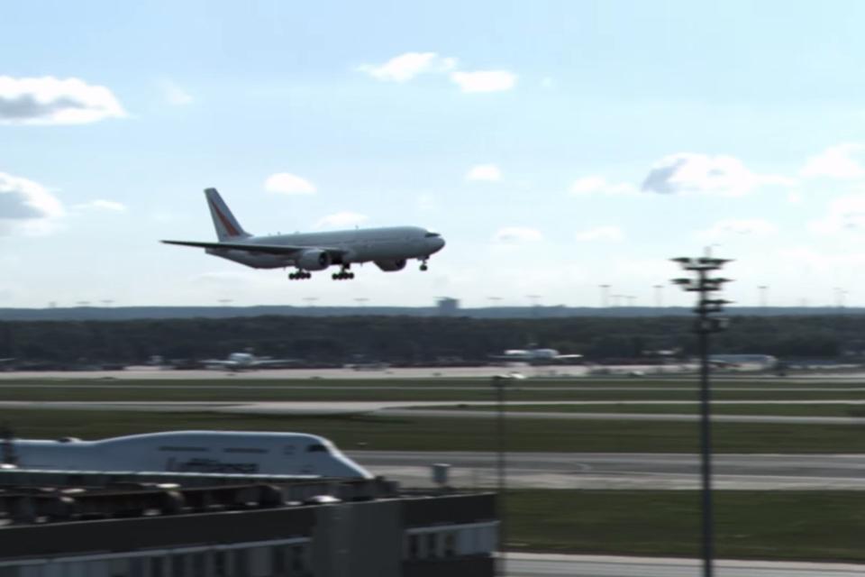 Imagem de Pouso de emergência! Força da natureza obriga avião a interromper voo no tecmundo